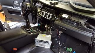 Montáž parkovacej kamery a interface do Rolls-Royce