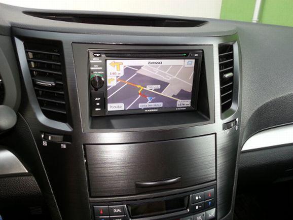 Montáž multimédií Subaru Outback