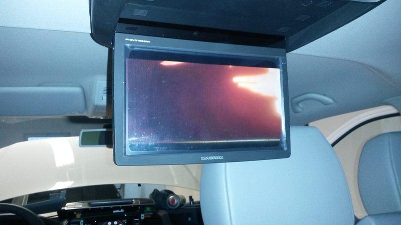 Montáž stropného monitoru do VW Caravelle