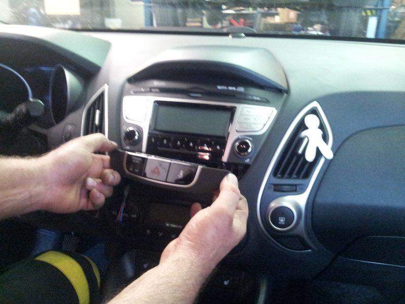 Montáž navigácie Macrom do Hyundai ix35
