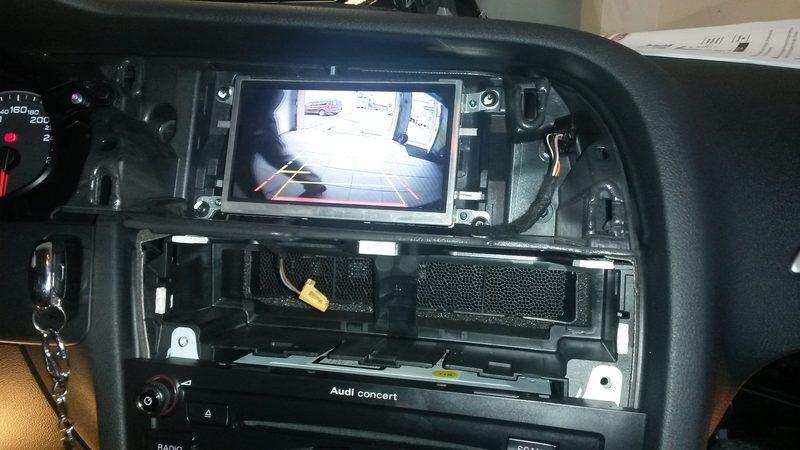Montáž parkovacej kamery do Audi A4 – Concert